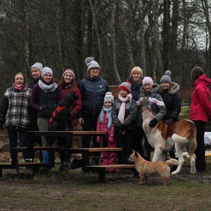 """2020. """"Dabas zirgi"""" uz zirga uzkāpšanas platformas atklāšanas pasākums"""